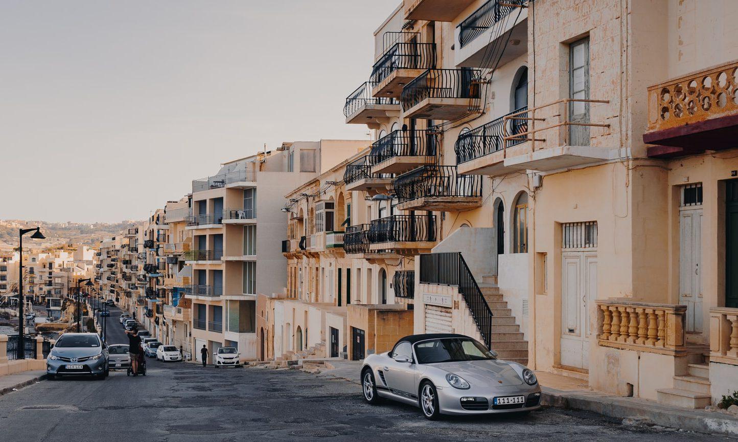 Malta streetscape / apartments / flats