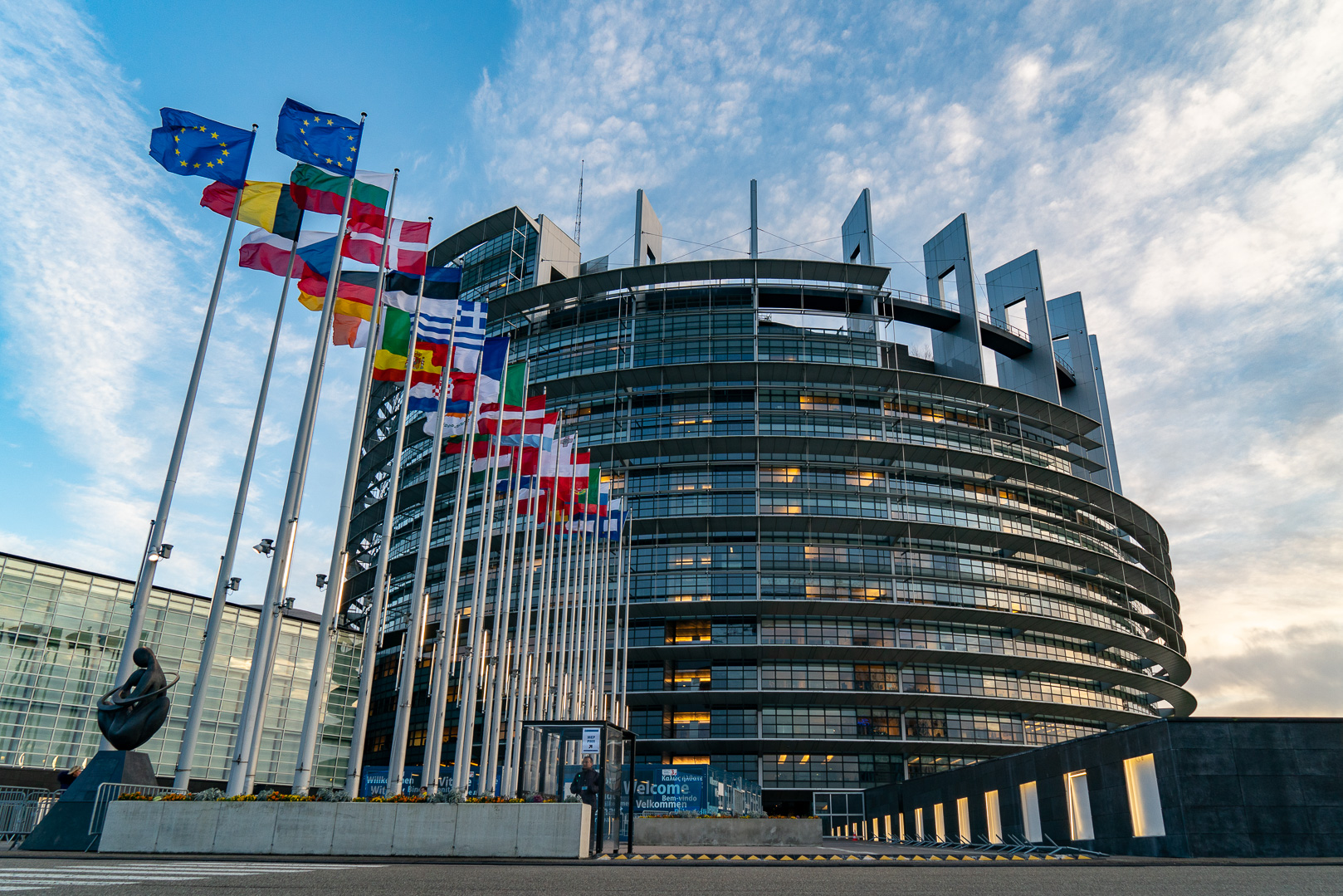 European Parliament - europarl.europa.eu